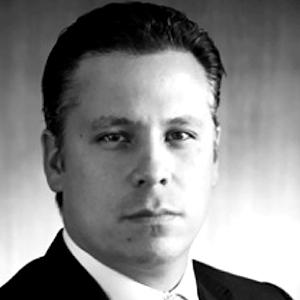 Miguel R Valle Salinas