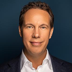 Martijn R van Hall