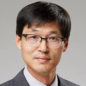 Kwang-Myeong Moon